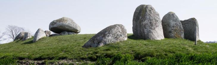 Photo of the Skegrie long dolmen (Andersson et al. 2016)