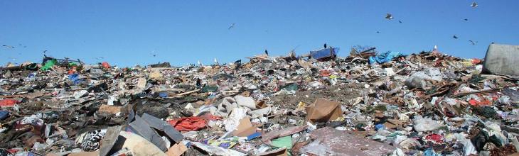 Gramacho dump in Rio de Janeiro. Source: https://en.wikipedia.org/wiki/Jardim_Gramacho#/media/File:Jardim_Gramacho.jpg (Sommer 2017).